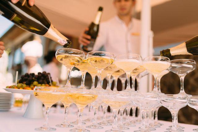 Historia szampana - jak powstał luksusowy trunek?