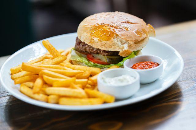 Trzy nowe dania gotowe marki własnej Szamamm od Żabki