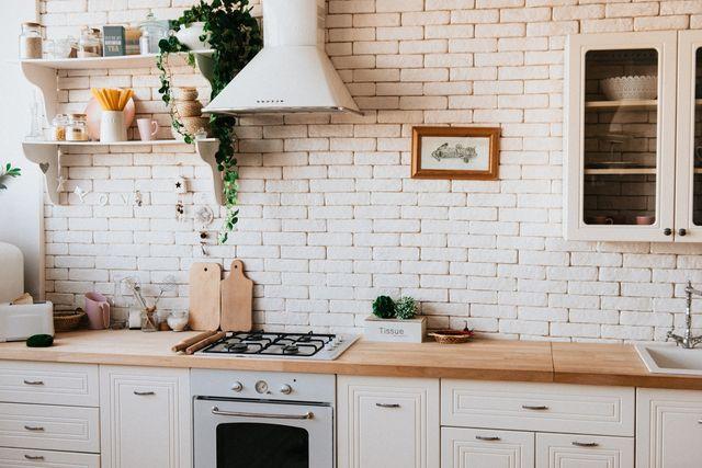 Jak wyczyścić okap kuchenny domowymi sposobami?