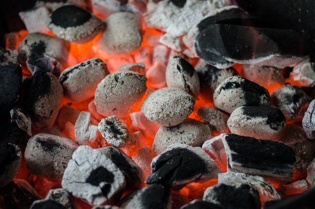 Jak rozpalić grilla ogrodowego?