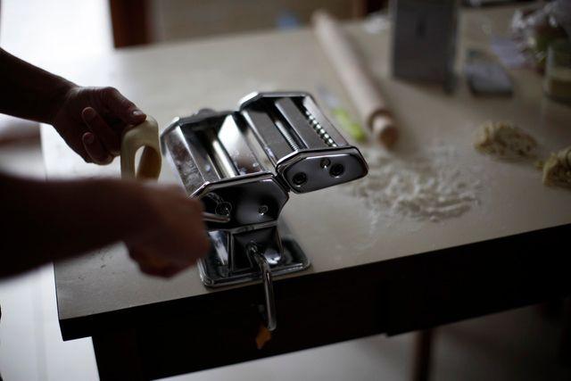 Jak zrobić makaron w domu?